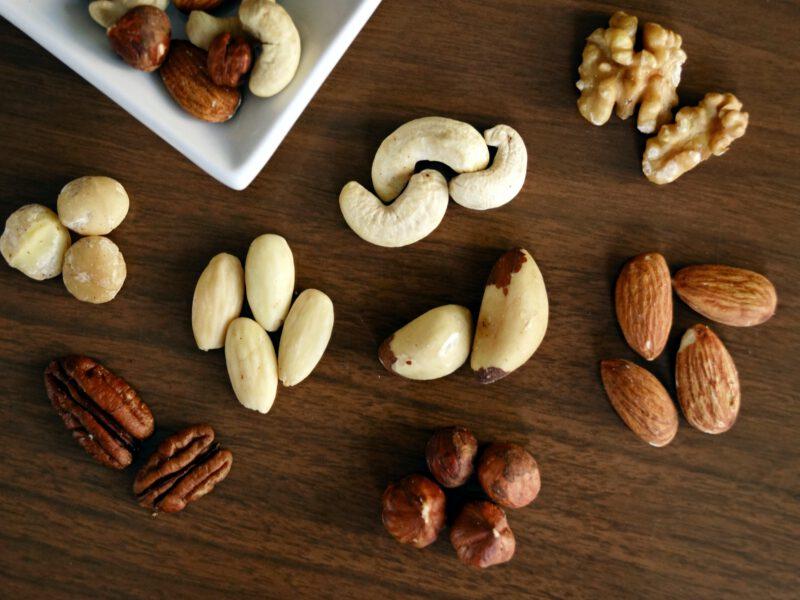 De verschillen tussen noten van een echte branderij en een supermarkt lees je hier!